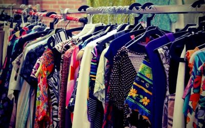 Recycling Clothes: Turn Trash into Cash